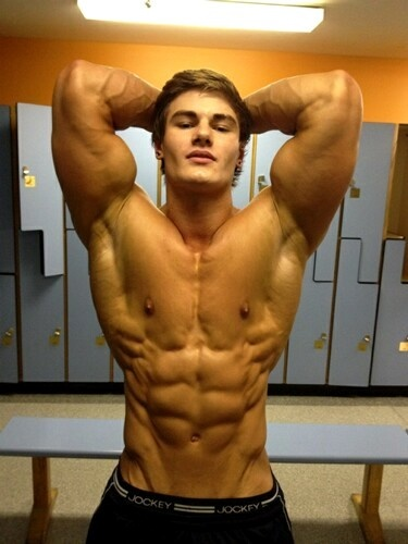 Jeff-Seid-abs-locker-room
